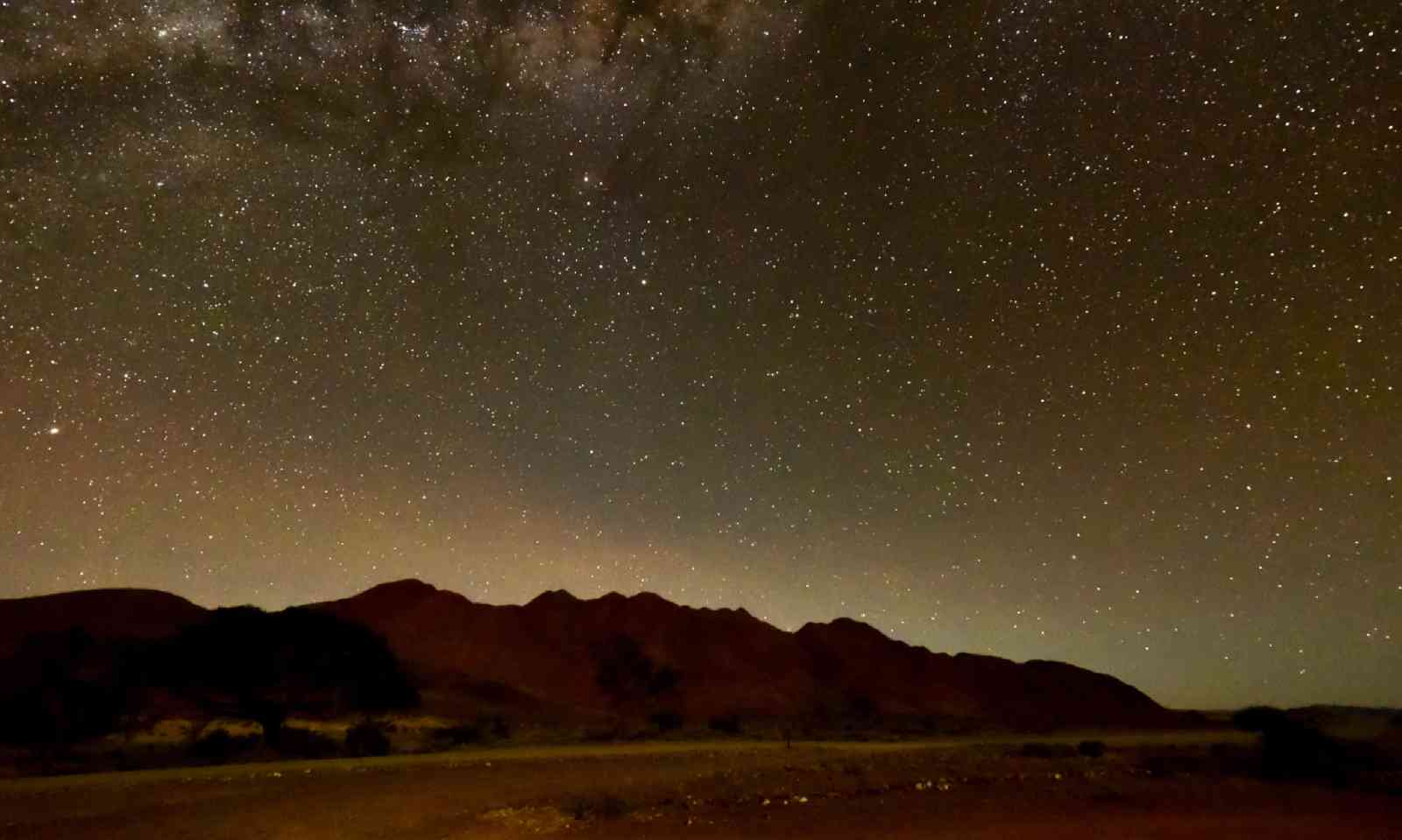 Starry night at NamibRand Nature Reserve (Dreamstime)