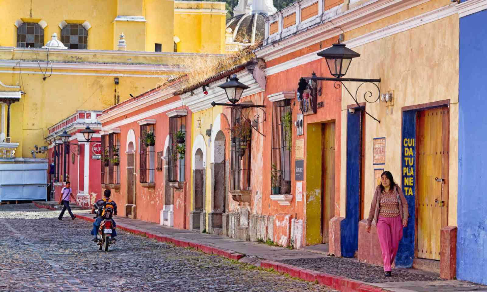 Antigua, Guatemala (Shutterstock)