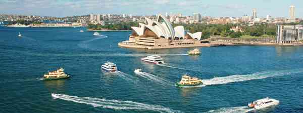 Boats in front of Sydney Opera House (Dreamstime)