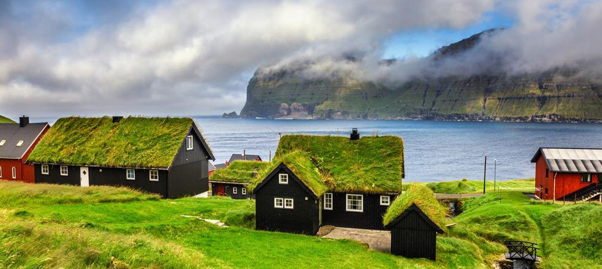 Lighthouse, Torshavn, Faroe Islands (CaptainOates)