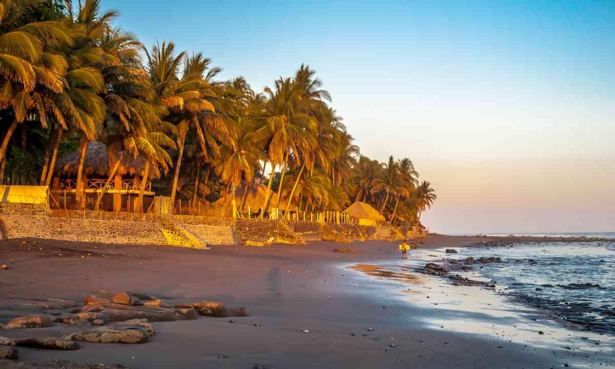 Playa in El Zonte (Shutterstock.com)