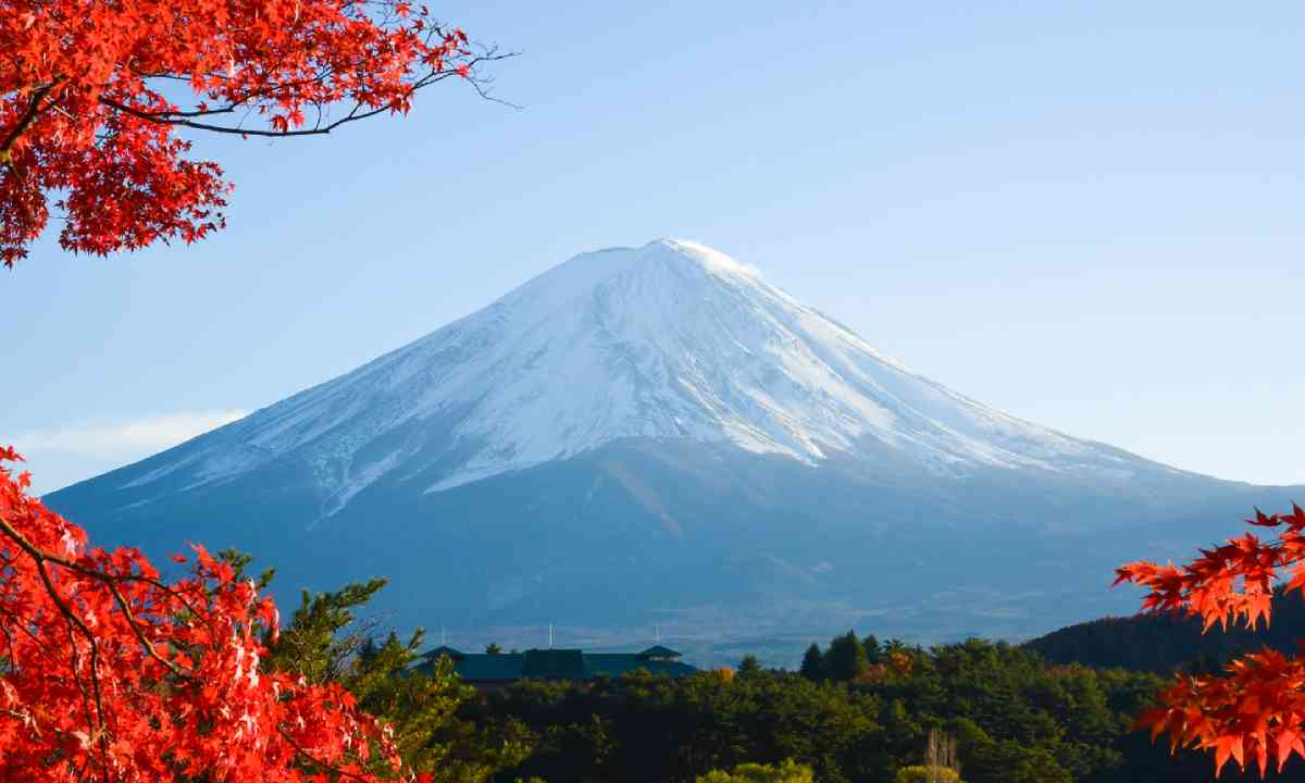 Mount Fuji in autumn (Shutterstock)