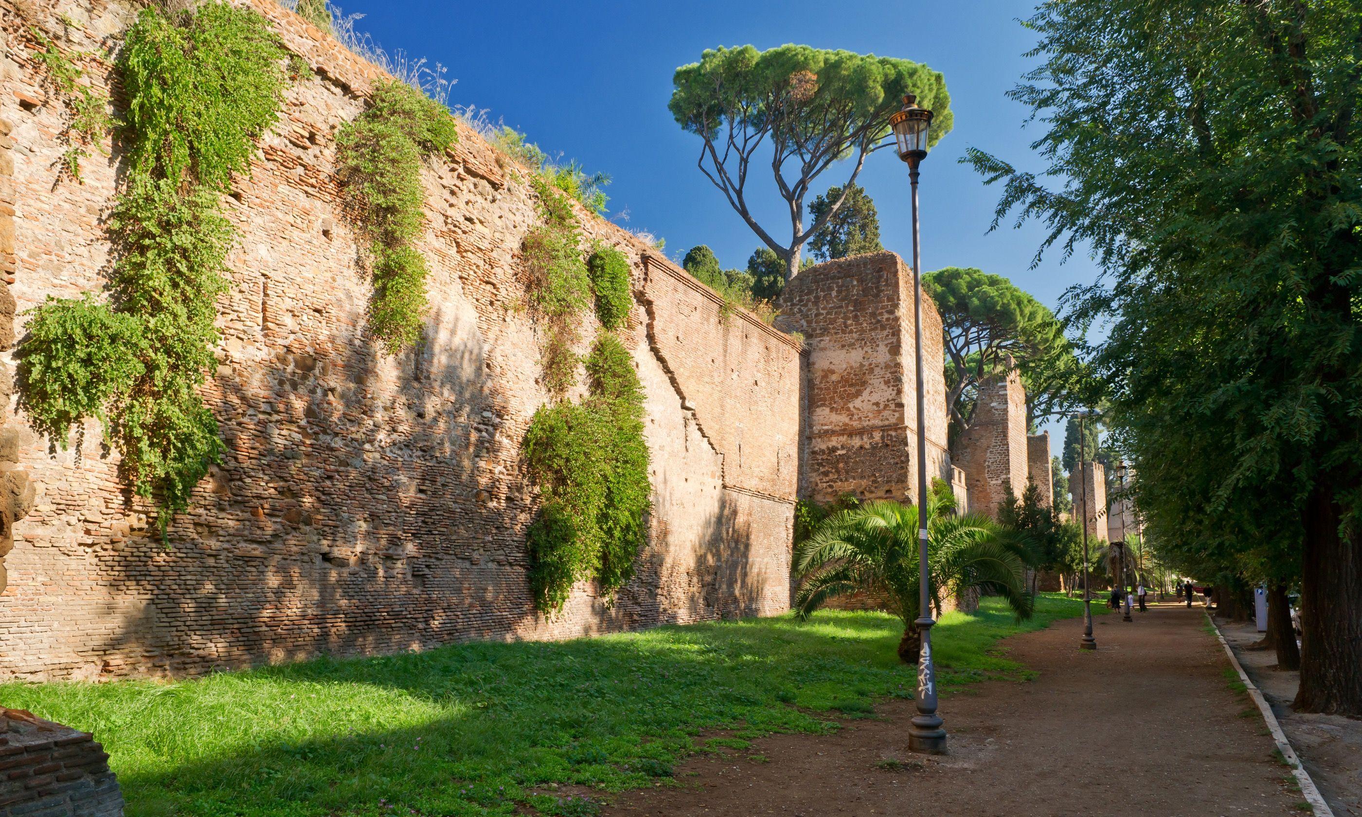 The ancient Aurelian walls in Rome (Dreamstime)