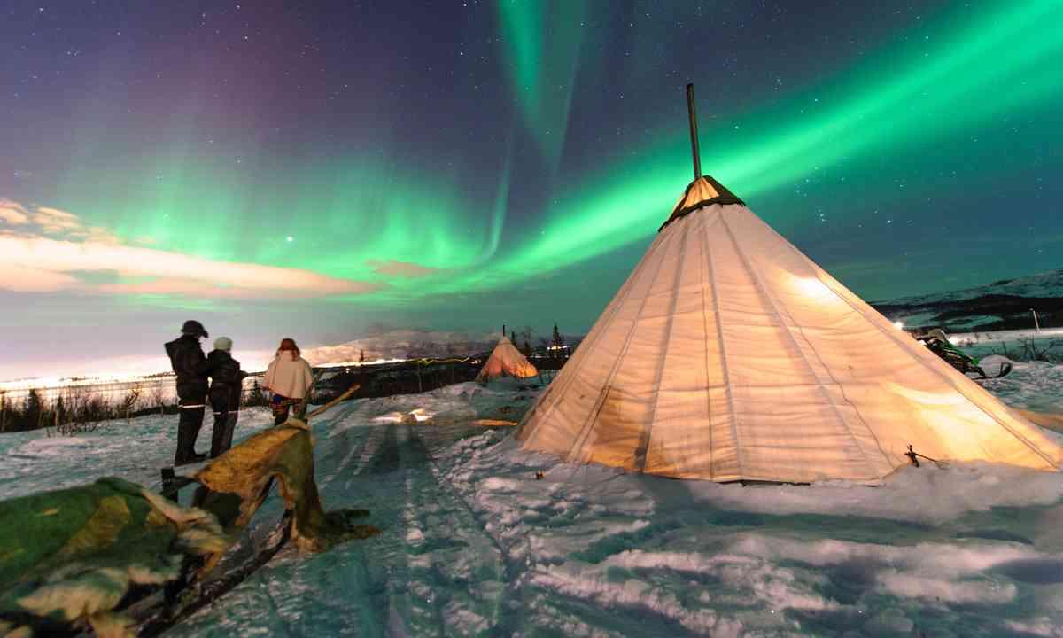 Northern Lights in the Troms region (Shutterstock.com)