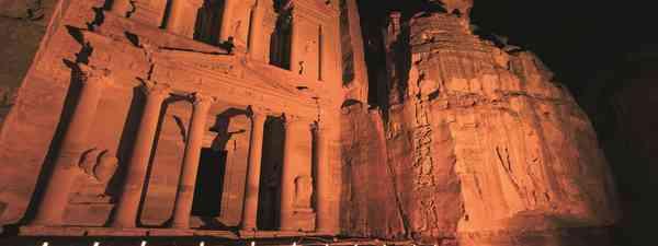 The Treasury at Petra Jordan lit at night during the night walk (dreamstime.com)