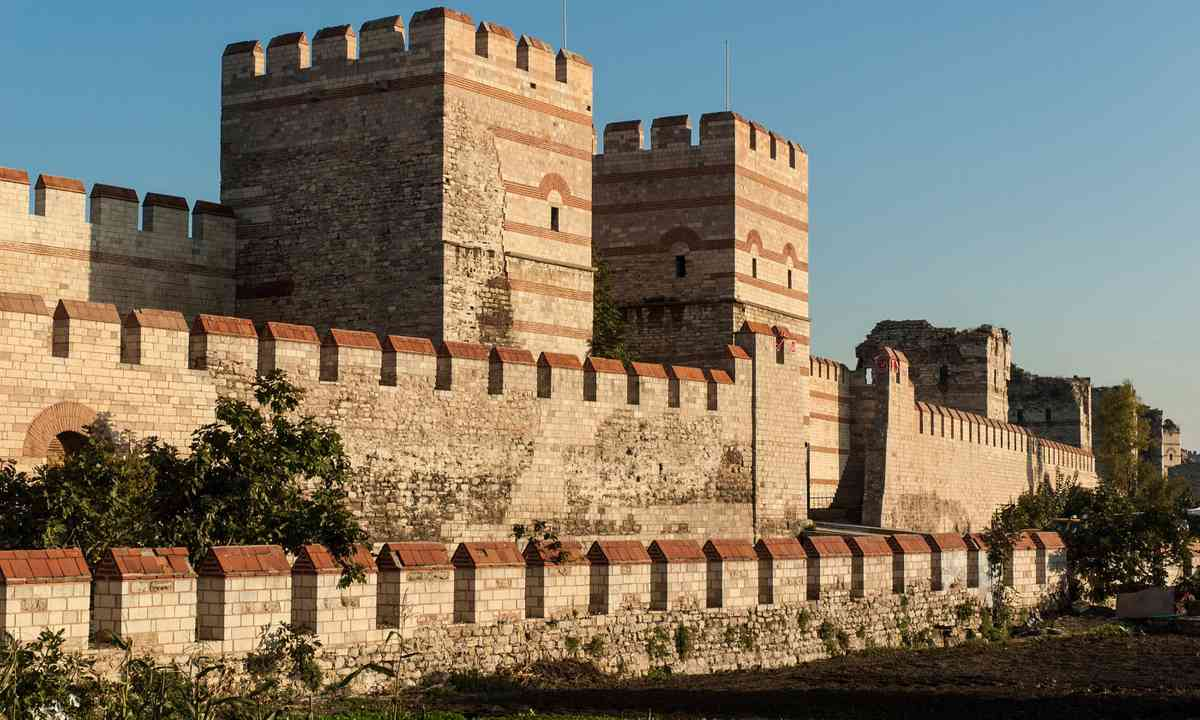 City Wall of Constantinople (Dreamstime)
