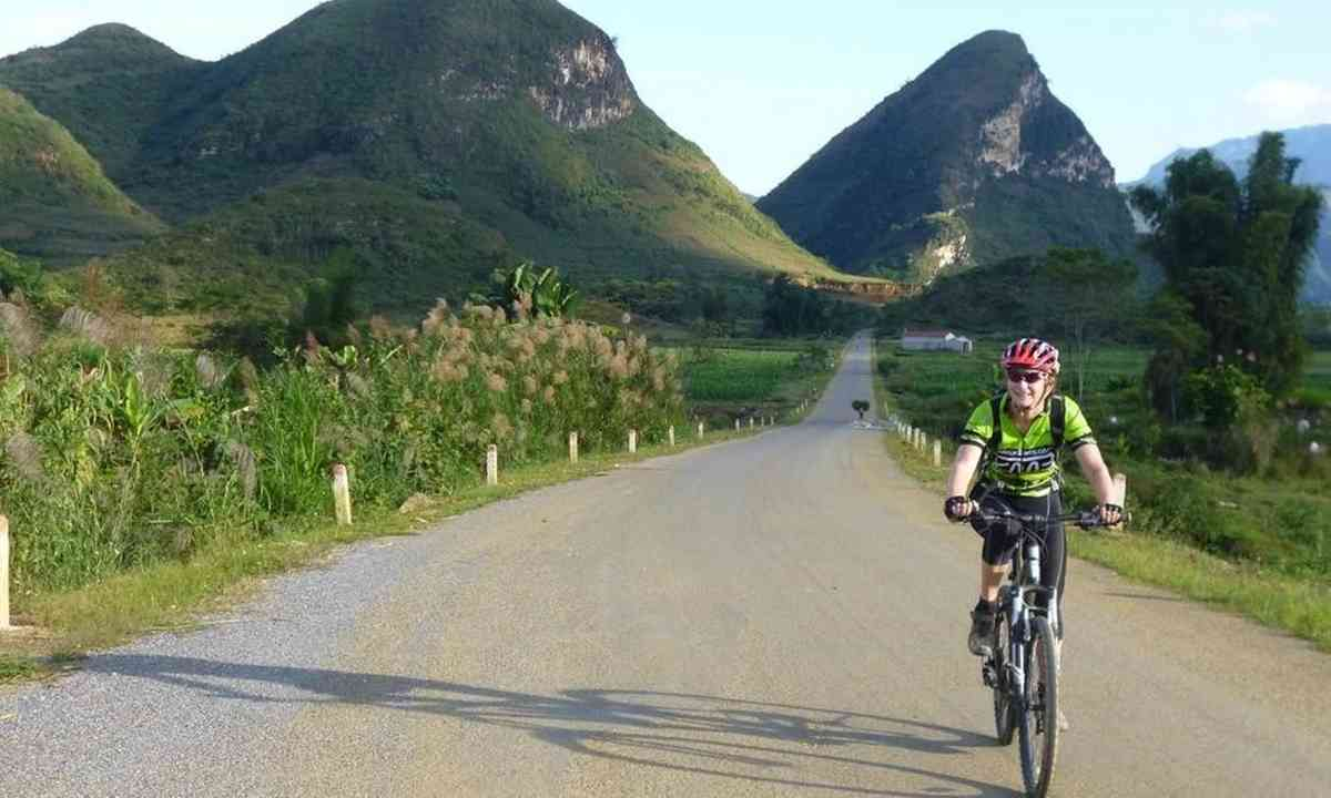 Cycling in Northern Vietnam (KE Adventures)