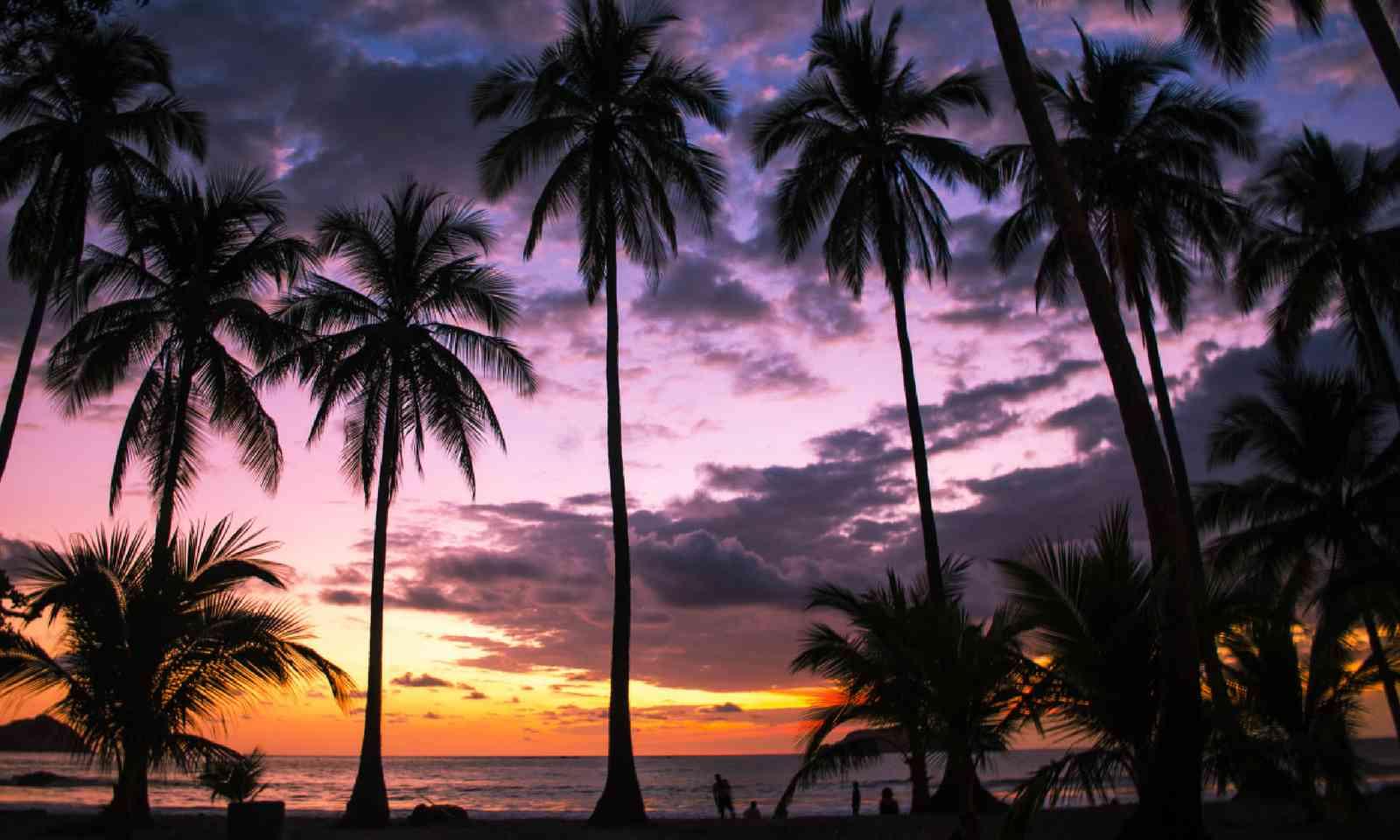 Sunset over Manuel Antonio beach (Shutterstock)