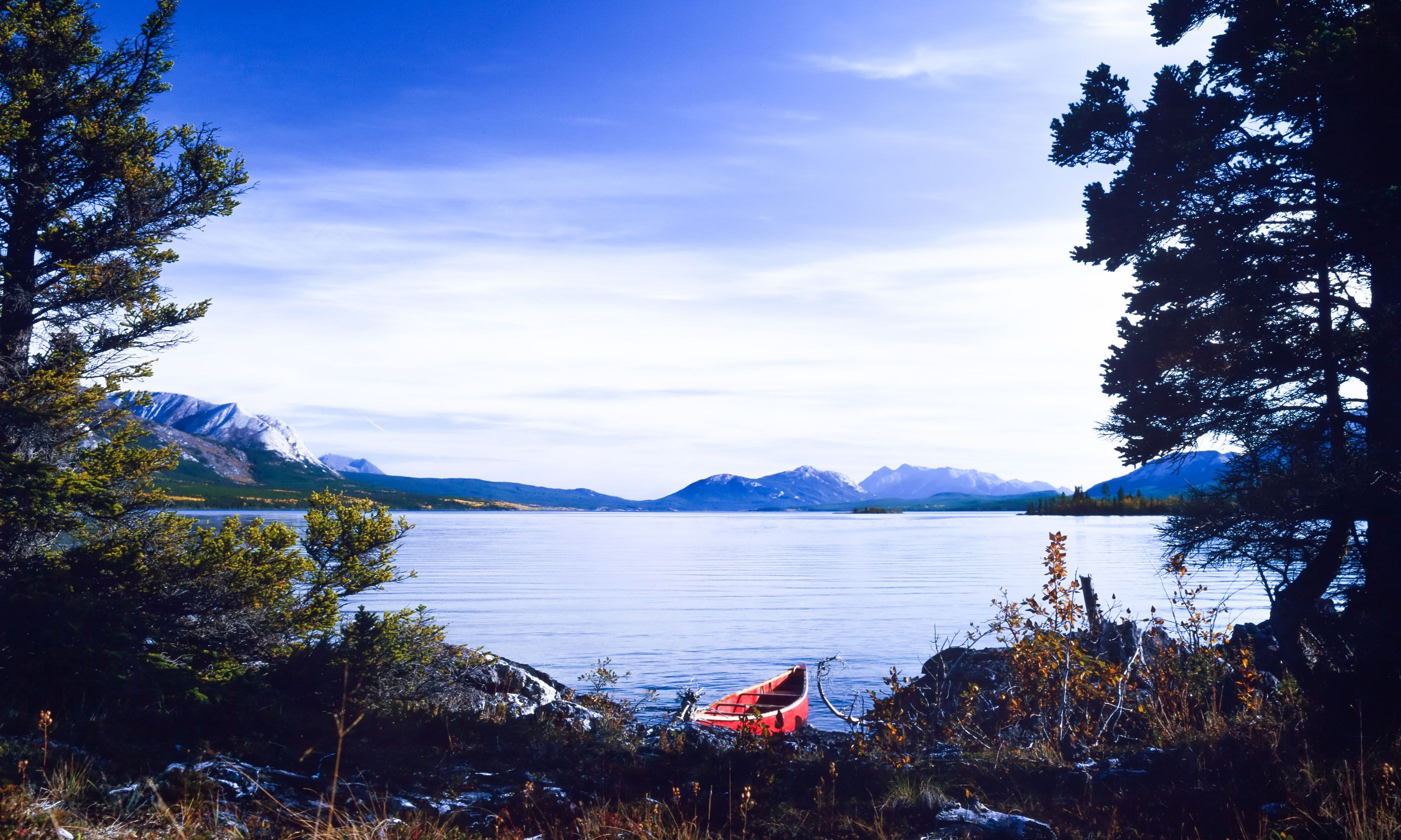 Canoe on the Yukon (Dreamstime)