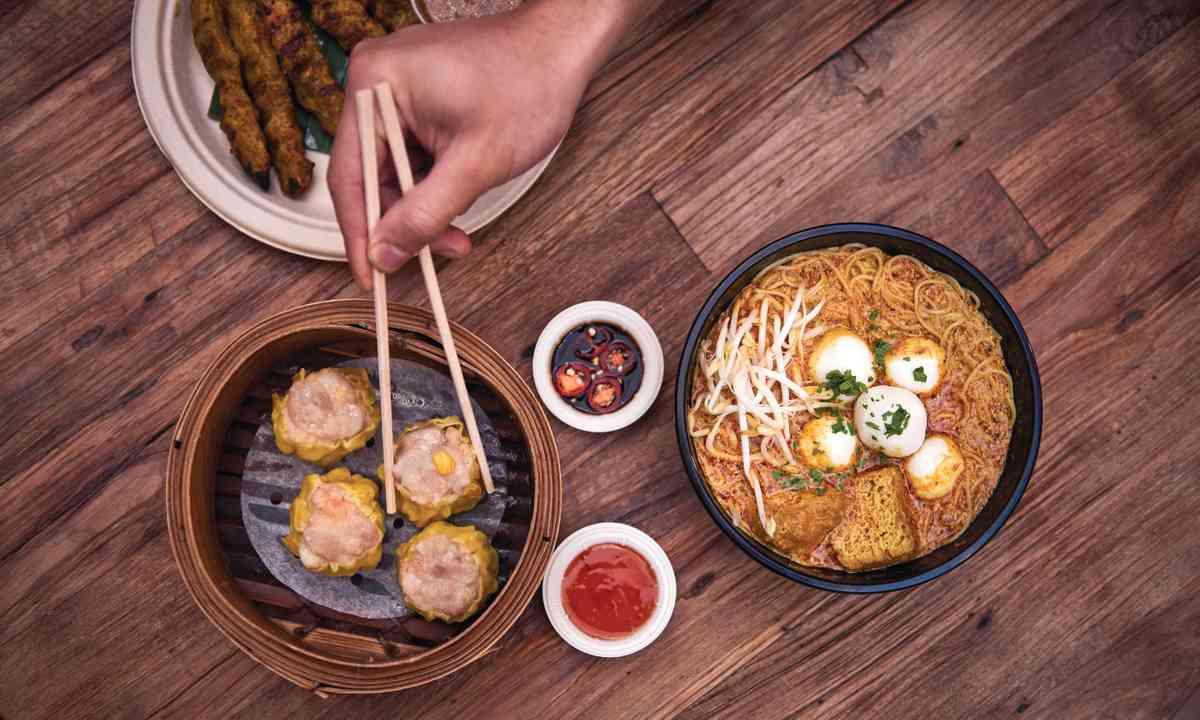 Hawker-style street food, Spice Alley (Tobias Rowles/Destination NSW)