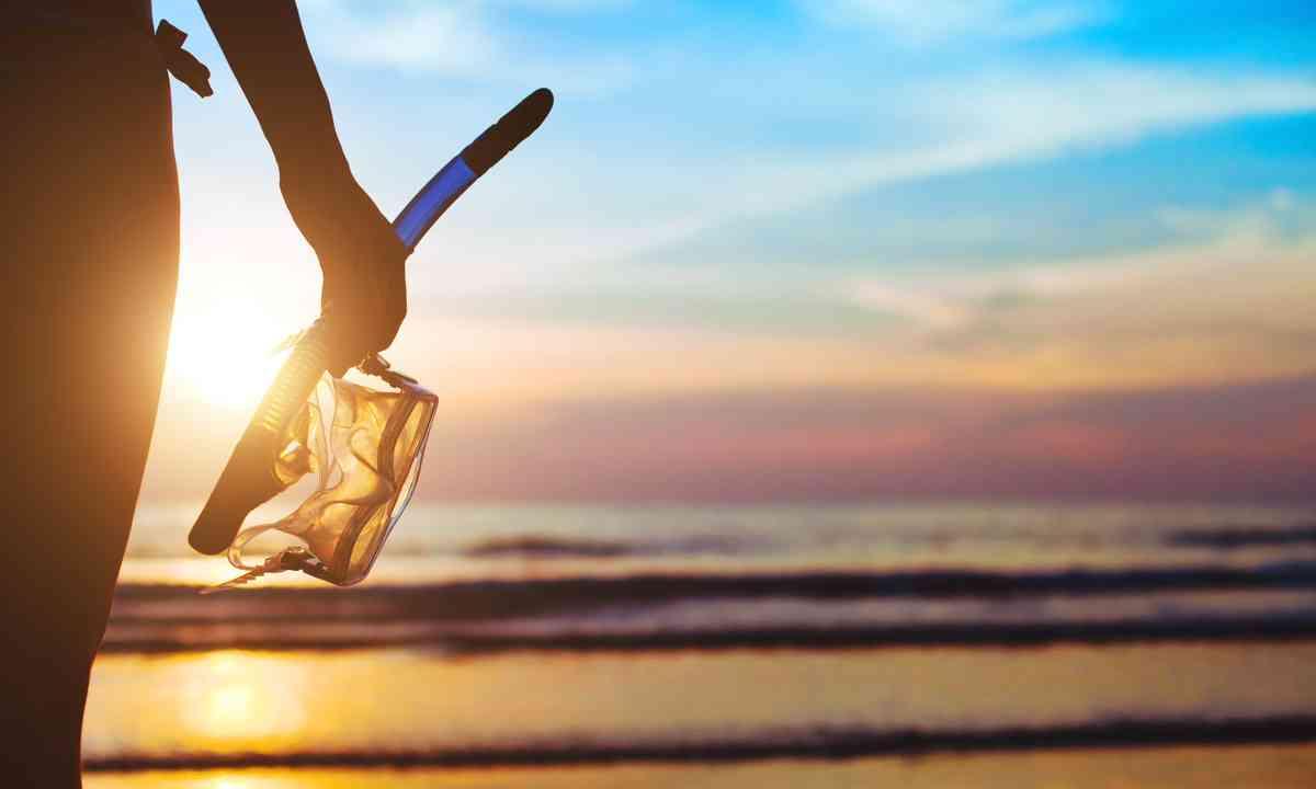 Snorkelling at sunrise (Shutterstock.com)