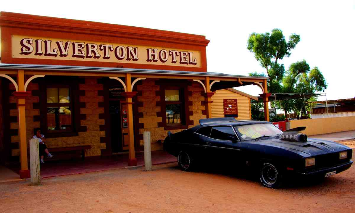 Silverton Hotel with Mad Max's car (Dreamstime)