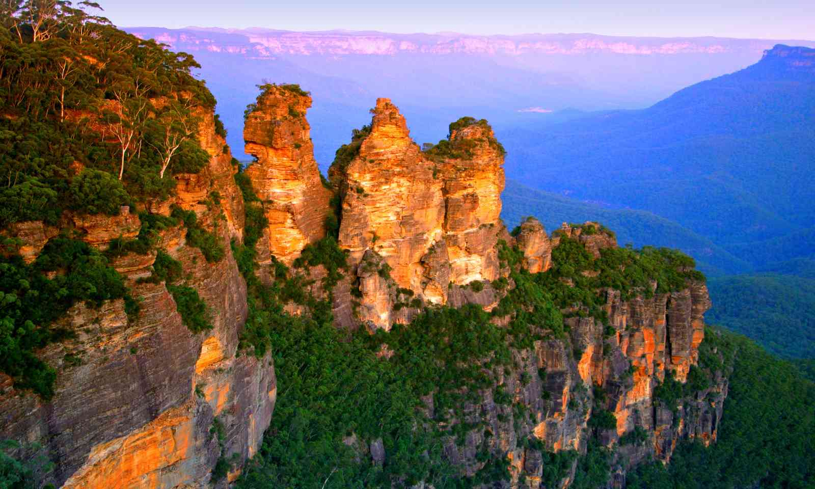 The Three Sisters, Blue Mountains (Dreamstime)