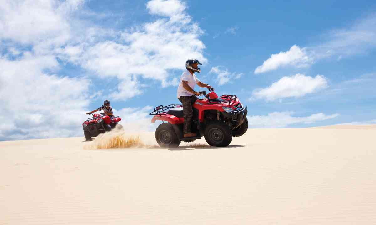 Dune buggies on Stockton Bight Sand Dunes (Jason Busch Photography/Destination Port Stephens)