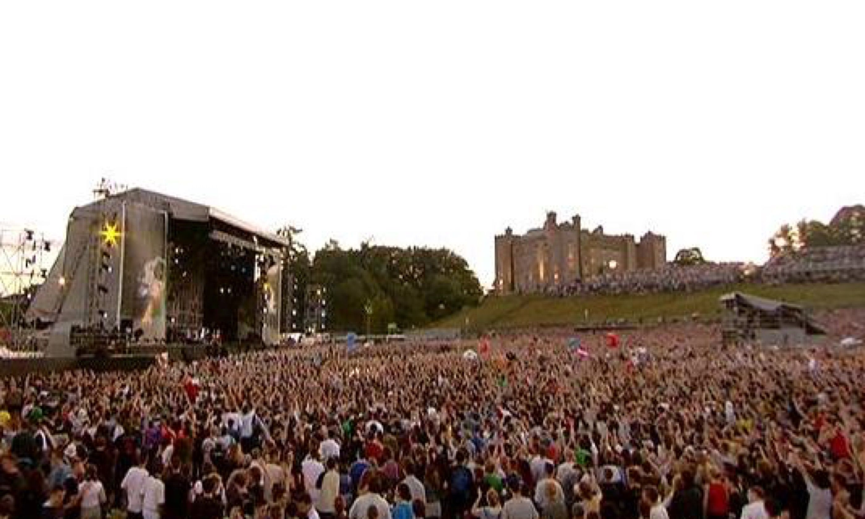 Red Hot Chilli Peppers at Slane Castle (Creative Commons)