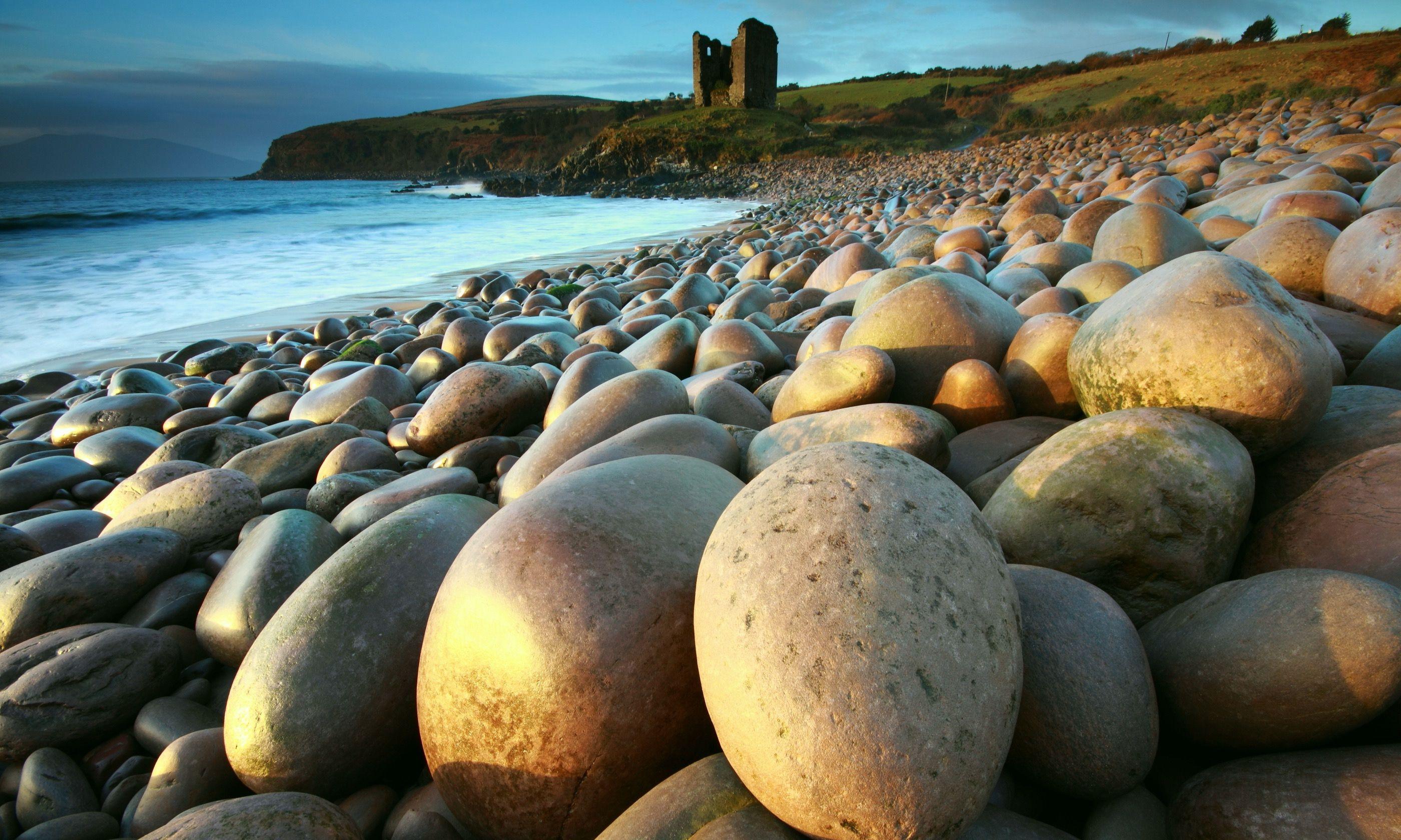 Cill Mihuire Castle, Dingle Peninsula (Shutterstock.com)