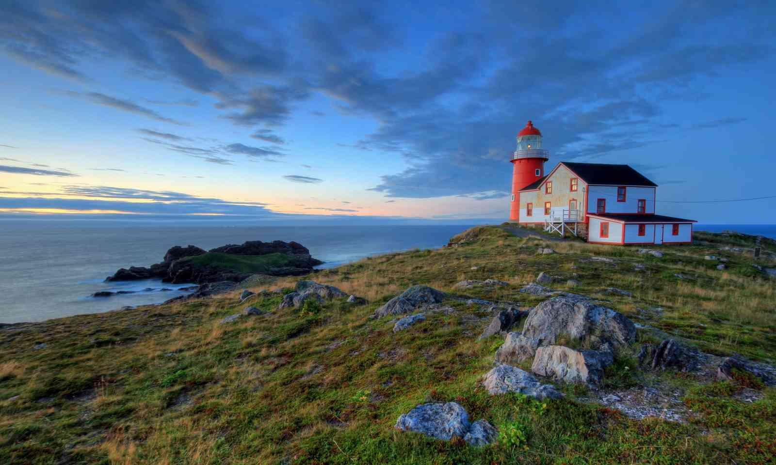 Lighthouse in Newfoundland (Shutterstock.com)