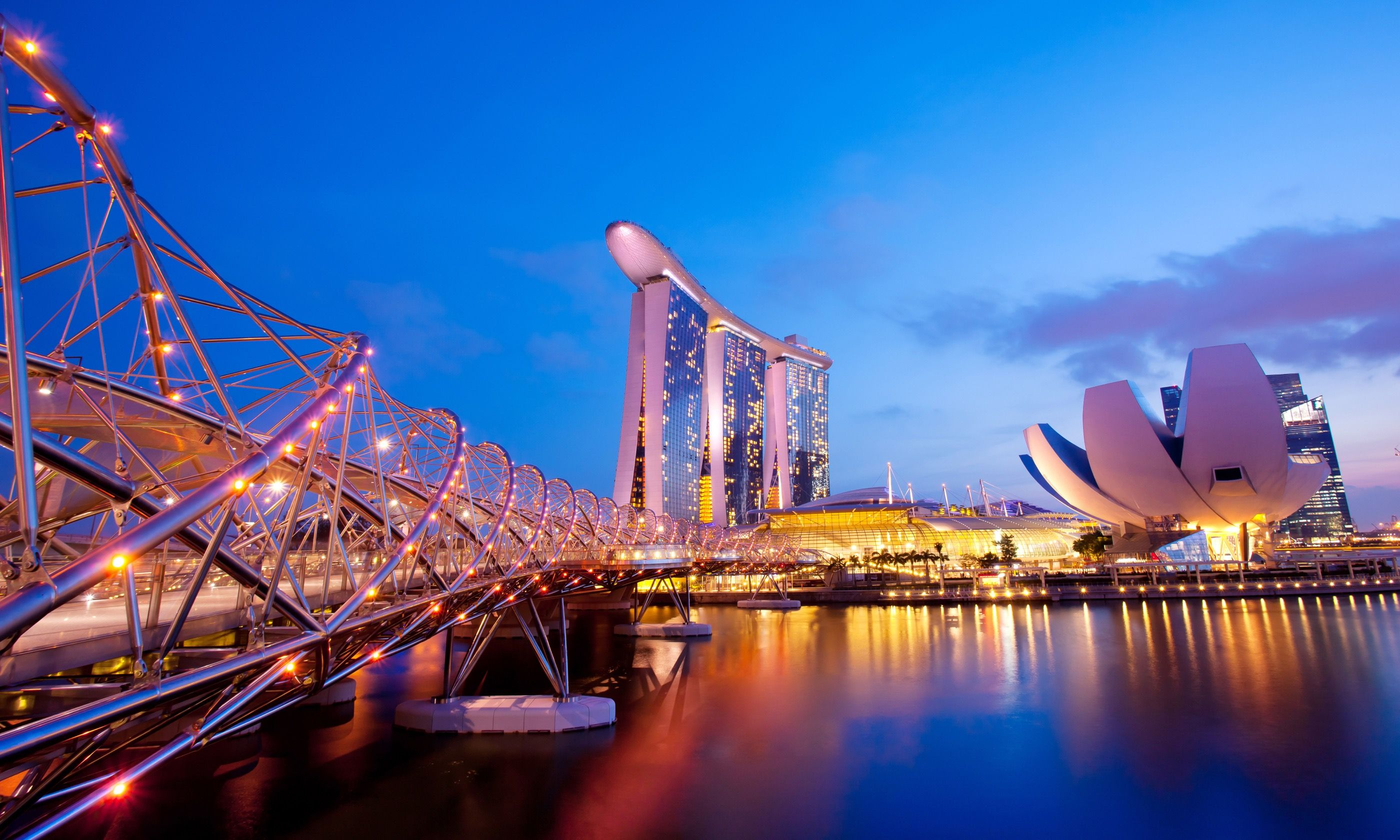 Marina Bay at sunset (Dreamstime)