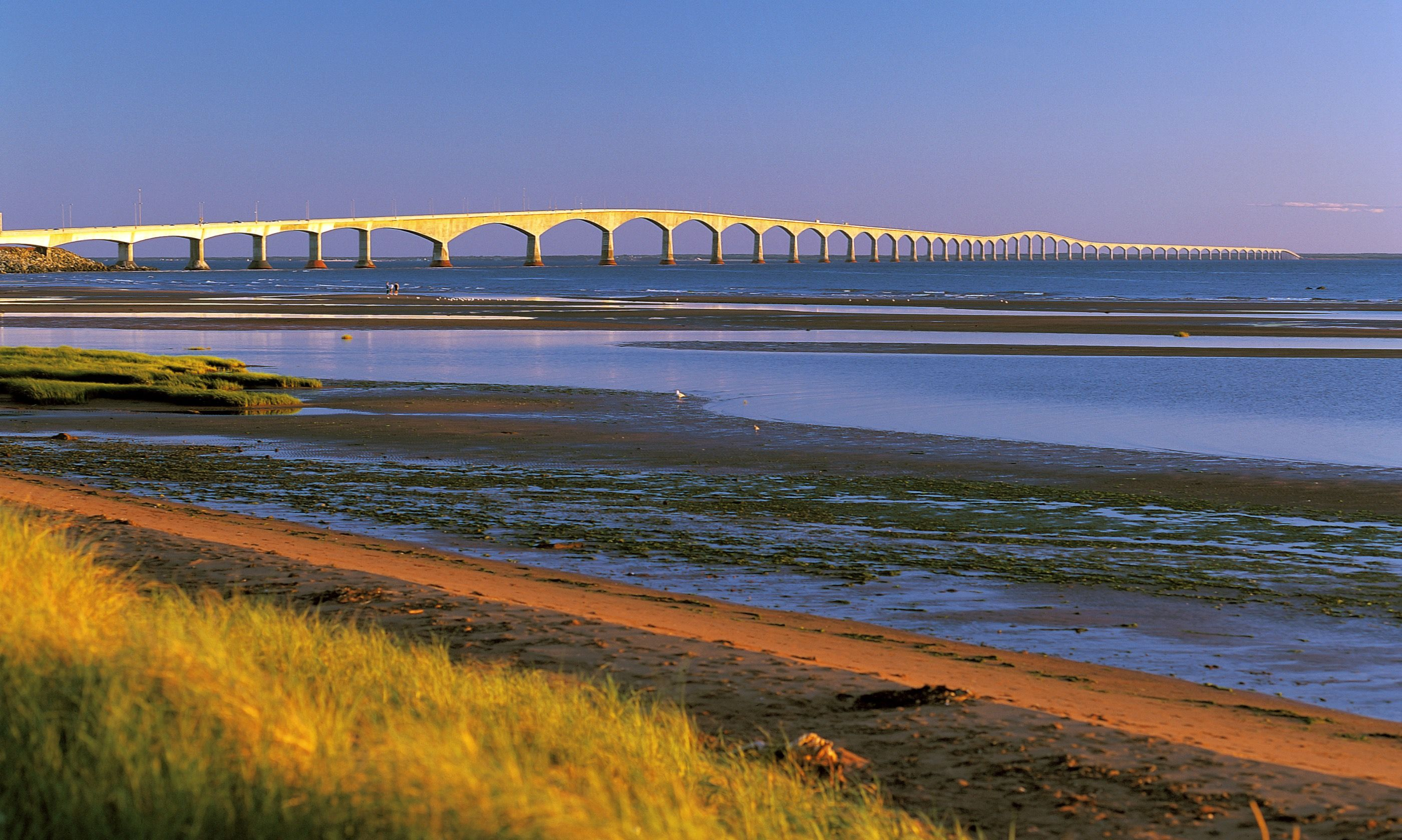 Confederation Bridge in Spring (Dreamstime)