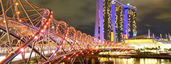Helix Bridge, Singapore (Dreamstime)