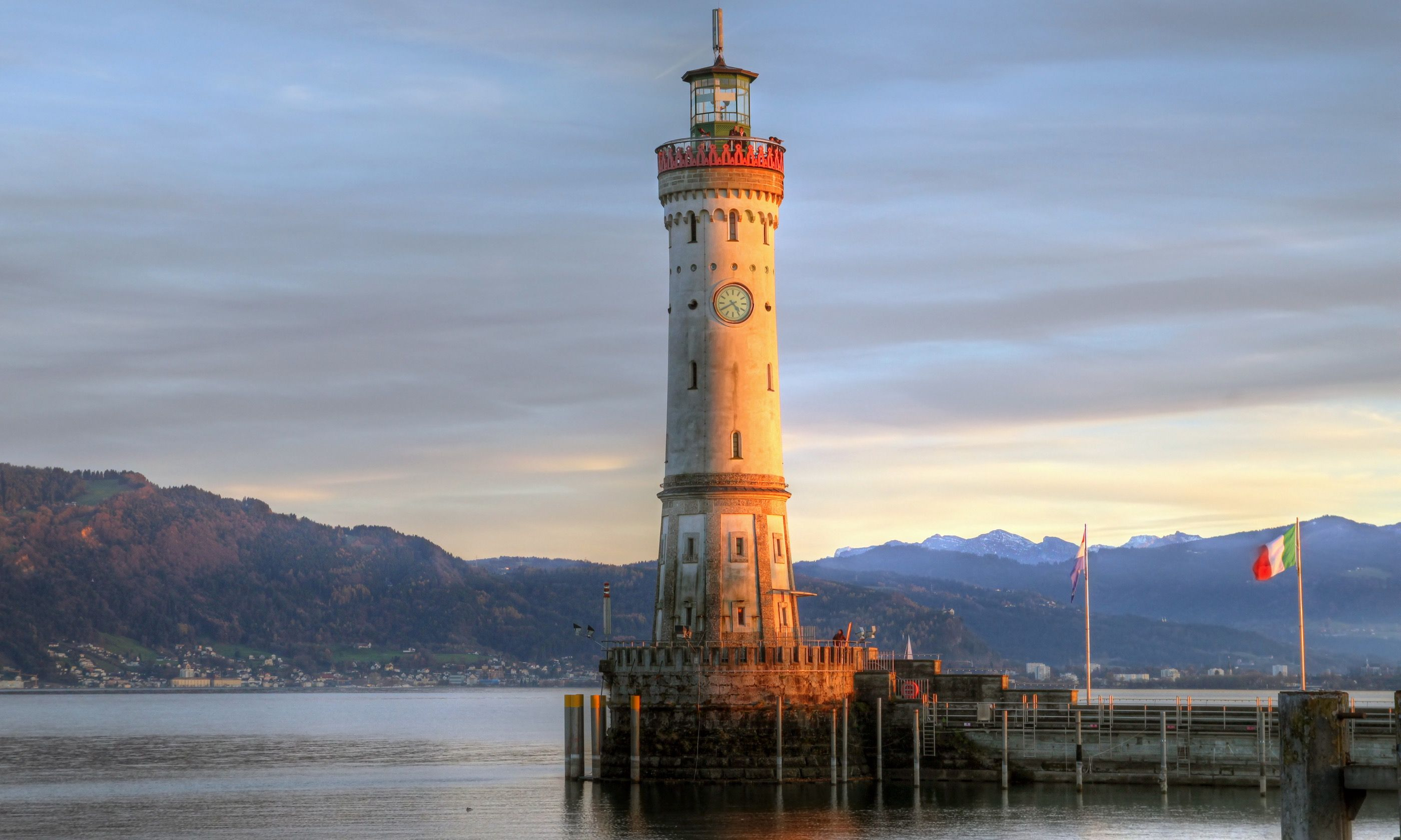 A lighthouse you can set your watch too (Dreamstime)