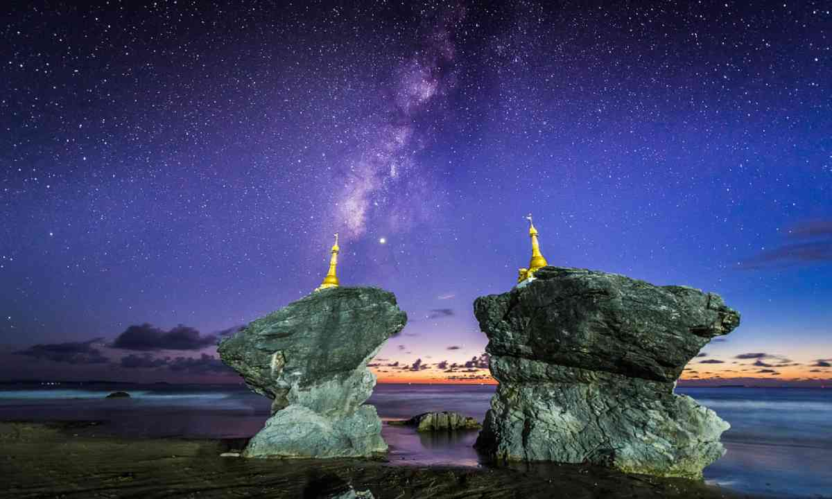 2014 Icon Highly Commended: Twin Pagodas, by Zay Yar Lin