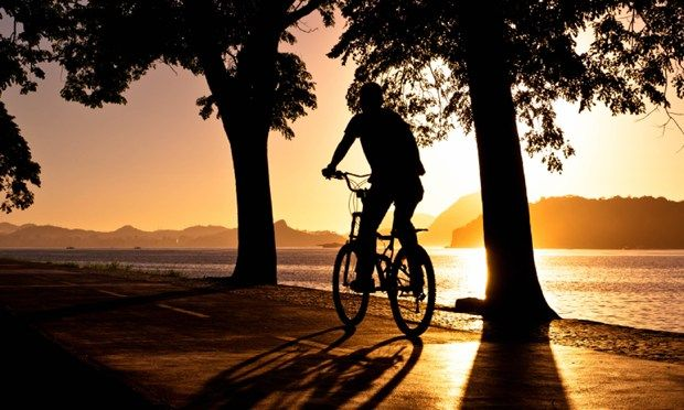 Silhouette of an cycling (Shutterstock.com)