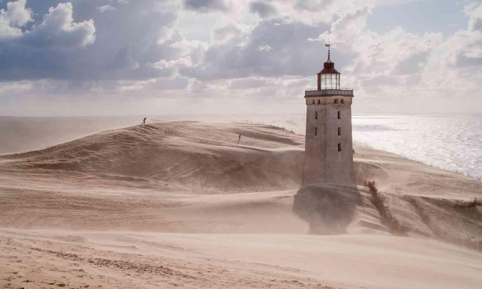 Sandstorm engulfs Rubjerg Knude Lighthouse (Dreamstime)