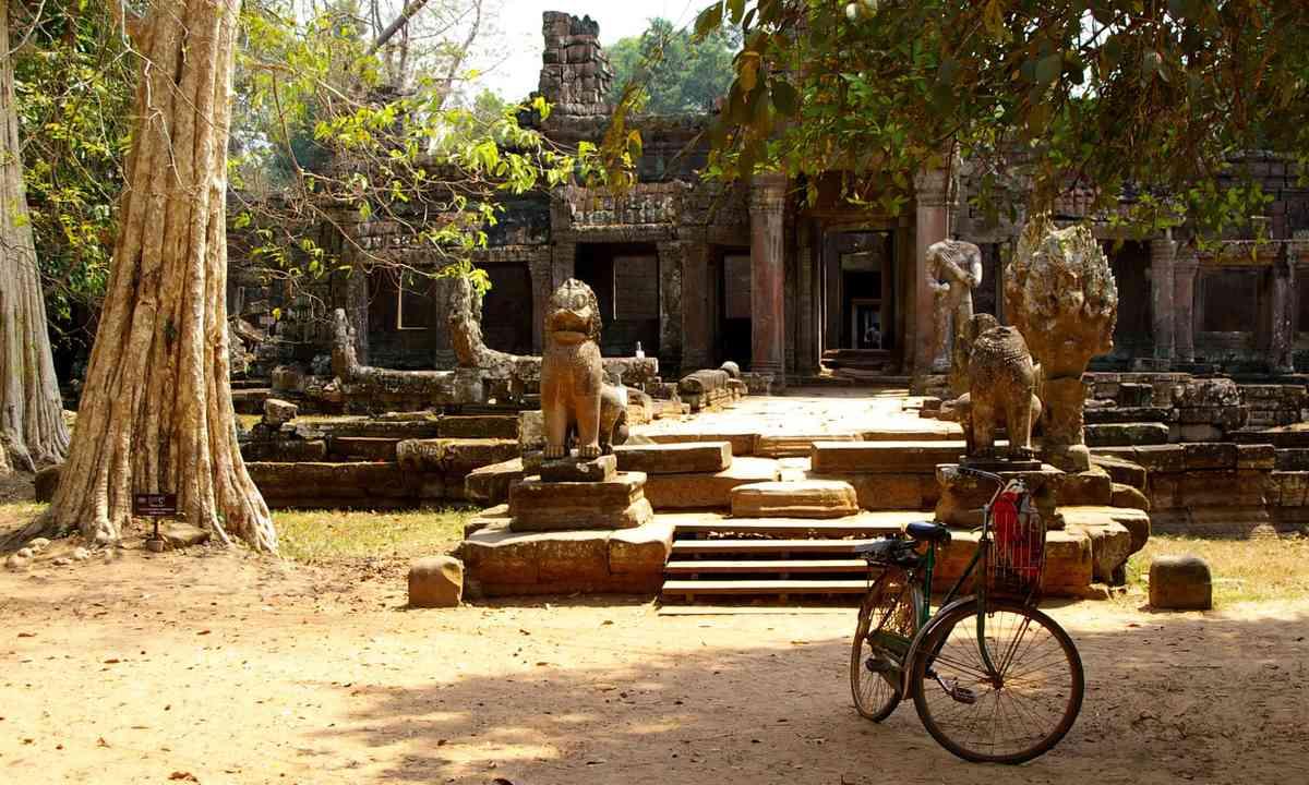 Bike outside Wat, Cambodia (Shutterstock.com)