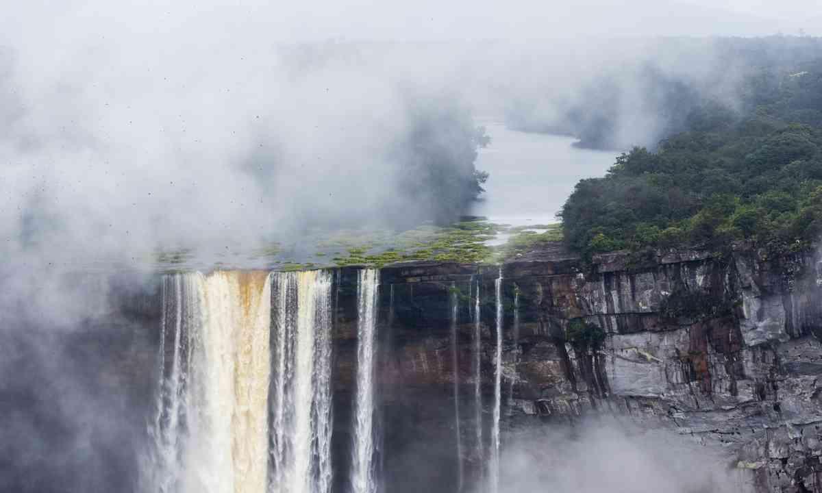 Kaieteur Falls (Dreamstime)