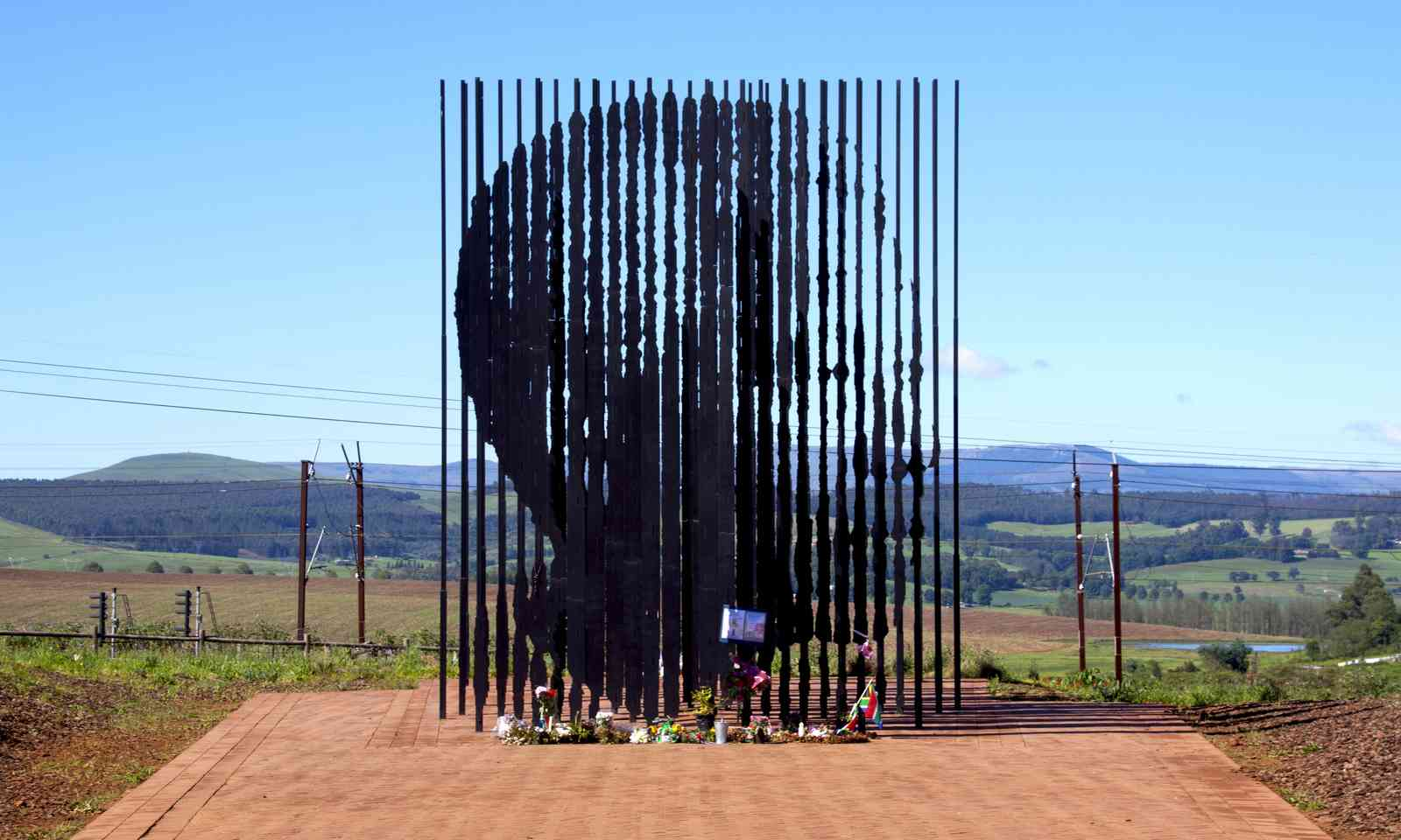 Metal sculpture of Nelson Mandela, South Africa (Shutterstock.com)
