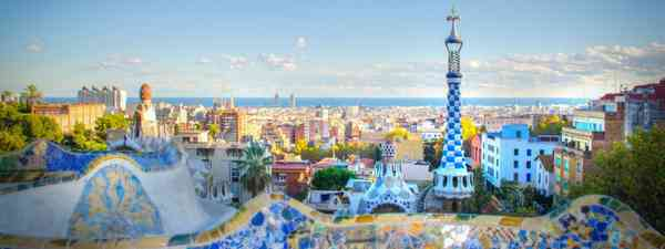 Parque Güell and view of Barcelona (Dreamstime)