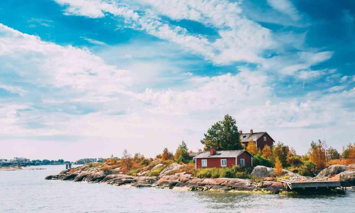 Pier, harbour and quay near Helsinki, Finland (Shutterstock.com)