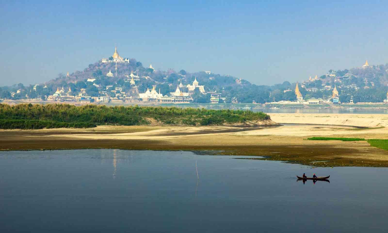 Burmese river scene (Dreamstime)
