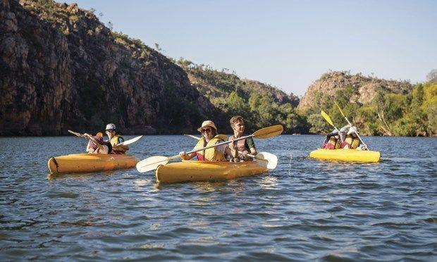 Canoeing Nitmiluk Gorge (Tourism NT)