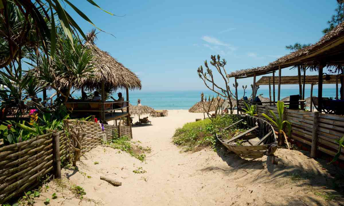 Ang Bang beach near Hoi An (Dreamstime)