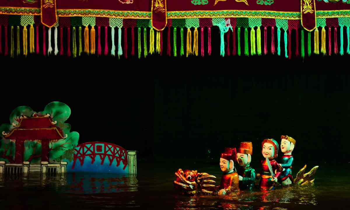 Water puppet show in Vietnam (Dreamstime)