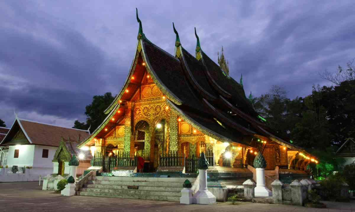 Wat Xieng thong temple at dusk in Luang Prabang (Dreamstime)