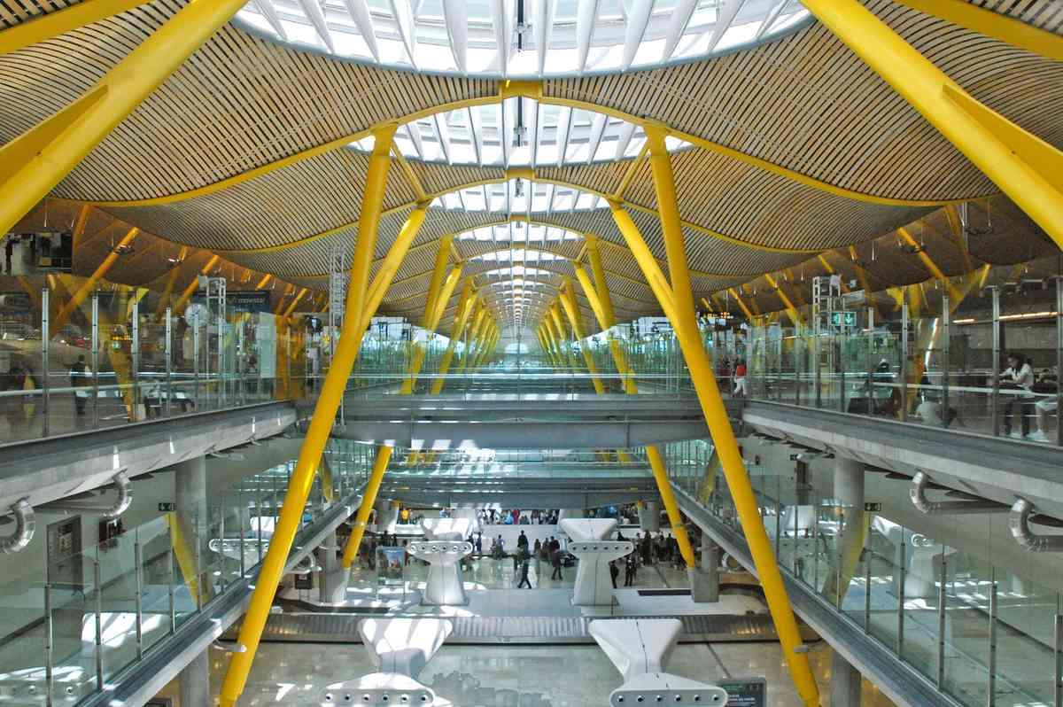 Inside Madrid airport (Creative Commons: Jean-Pierre Dalbé)