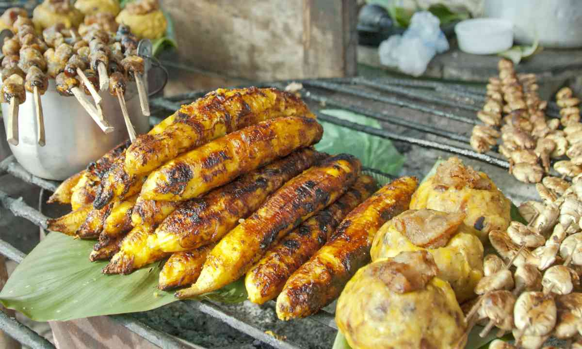 Fried Banana in Peru (Shutterstock.com)
