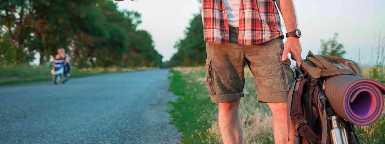 Hitchhiking tourist (Shutterstock)