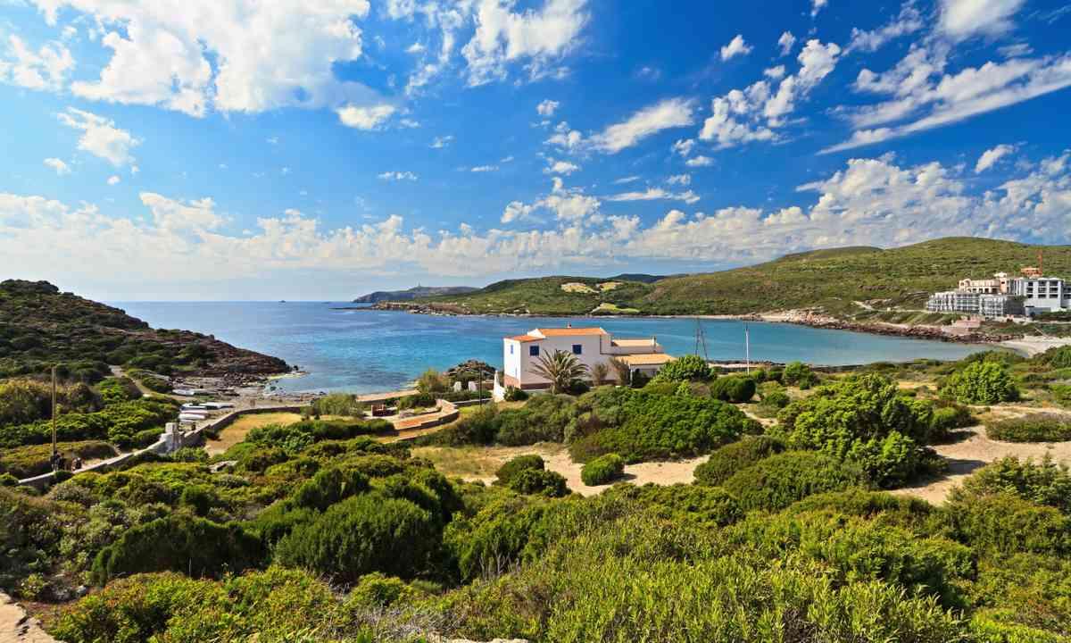 Caletta Bay (Dreamstime)