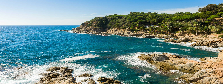 Wild coastline of Costa Brava (Dreamstime)