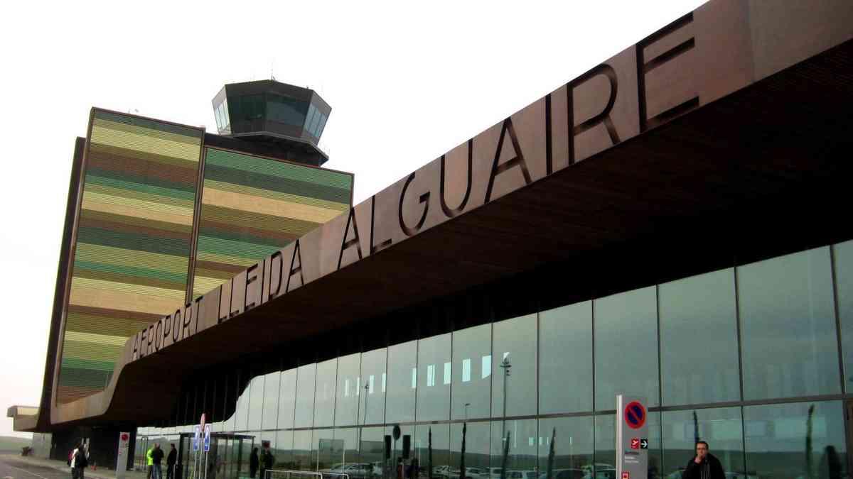The exterior of Lleida-Alguaire airport (Creative Commons: zkvrev)