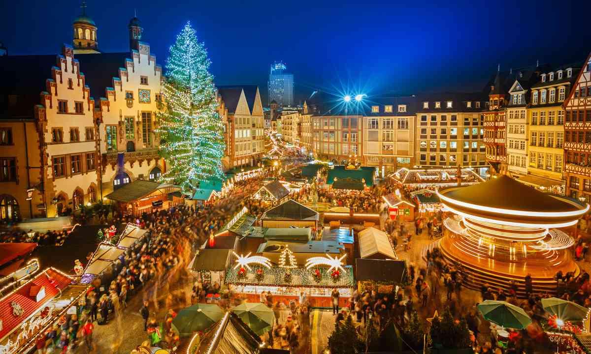 Frankfurt Christmas market (Shutterstock.com)