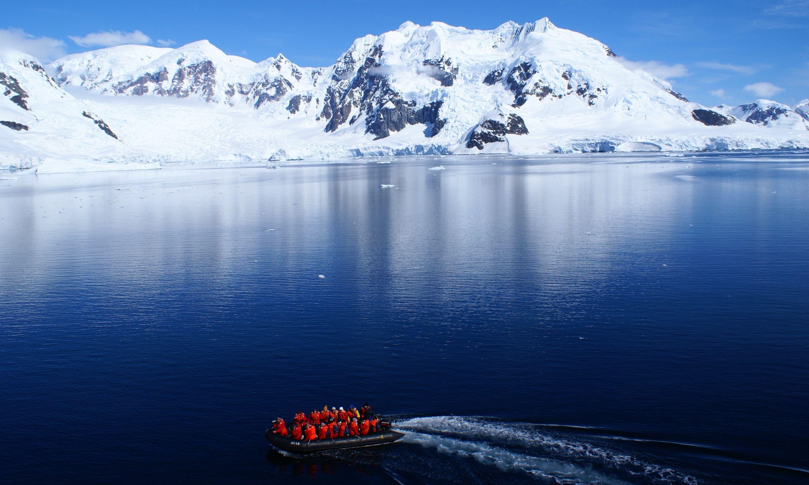 Paradise Harbour, Antarctica (Shutterstock.com)