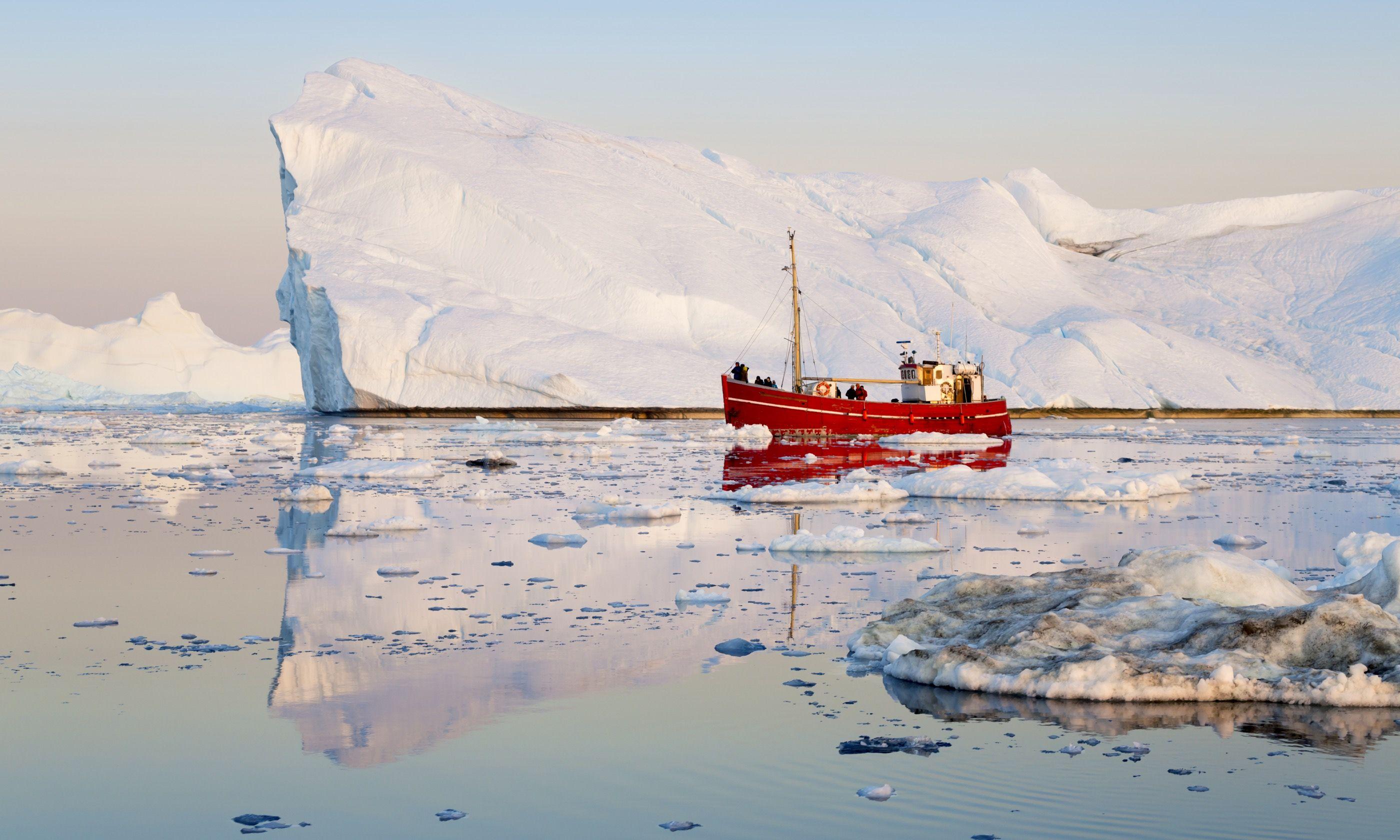 Icebergs in Greenland (Shutterstock.com)