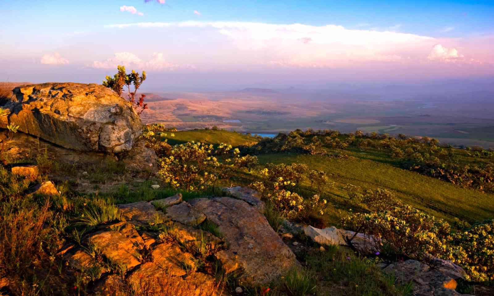 The Drakensberg Mountains, South Africa (Shutterstock)