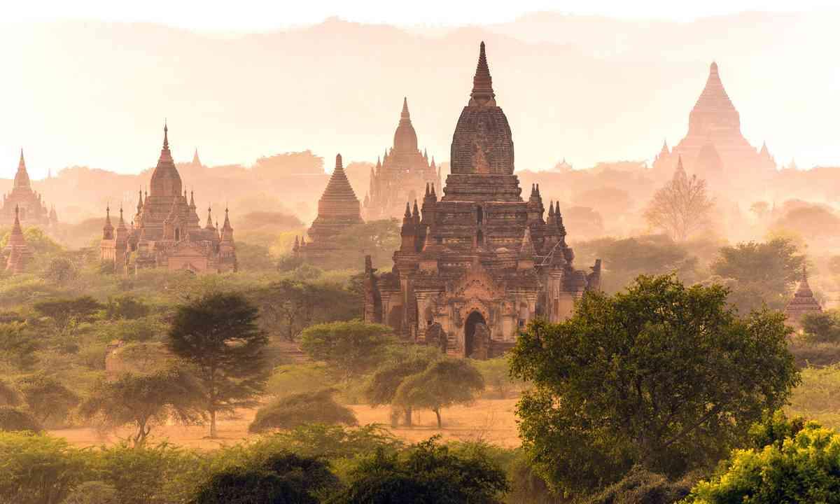 The Plain of Bagan (Shutterstock.com)