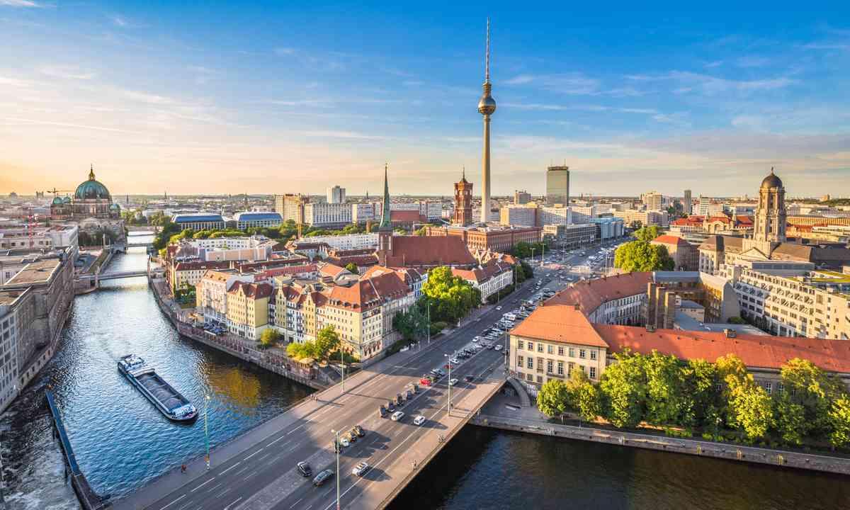 Berlin Skyline (Shutterstock.com)
